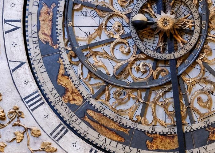 pastorale_du_tourisme_horloge_astronomique